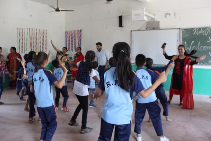 Rudra Public School-Dance Class