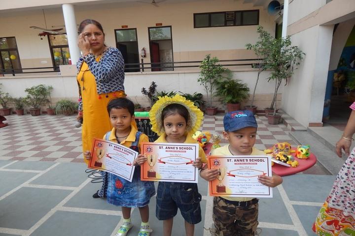 Saint Annes School-Certificates
