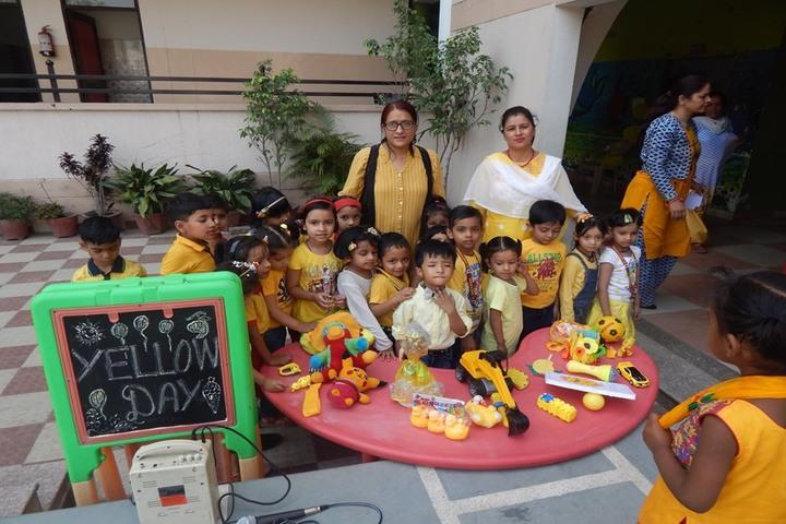 Saint Annes School-Yellow Day