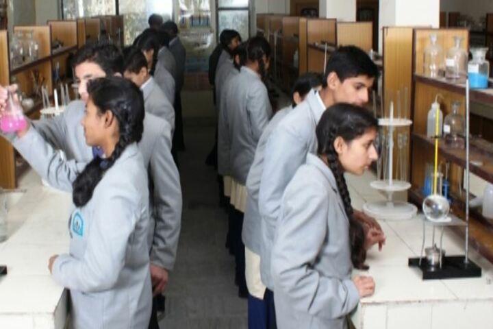 Shanti Memorial Public School-Lab