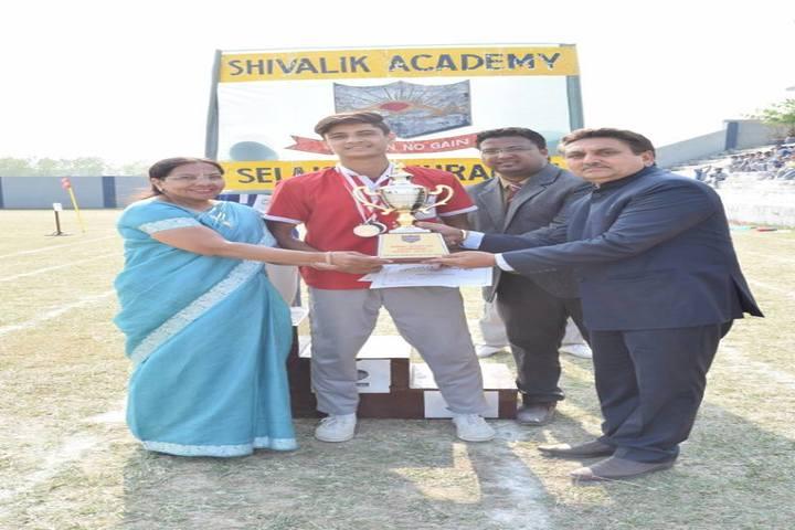 Shivalik Academy-Prizes