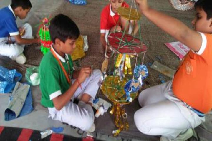 Shree Yogeshwar Public School-Best Out of Waste