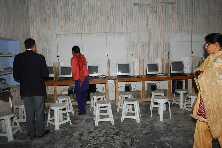 Shri Guru Nanak Academy-Computer Lab