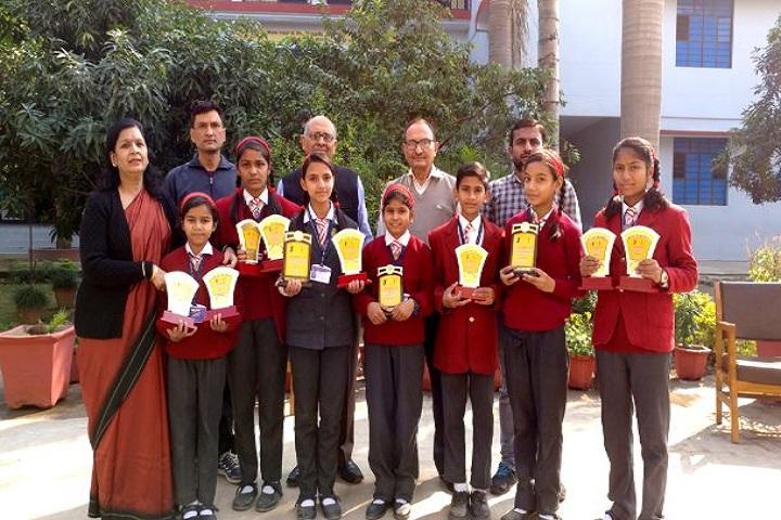 Skyward Public School-Prize Distribution