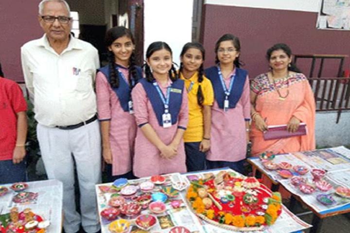 Sri Sai Public School-Art And Craft Exhibition
