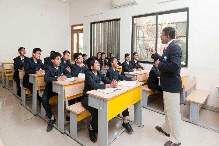 Academic World School-Classroom