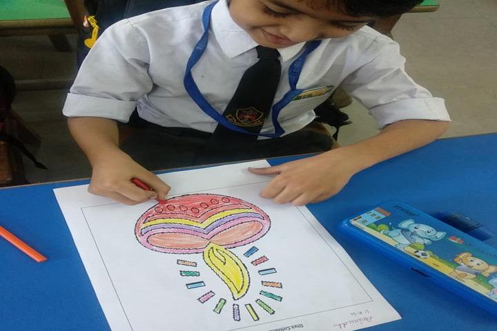The Laureate School-Drawing Activity