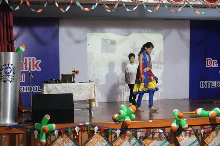 The Shivalik International School-Dancing Activity