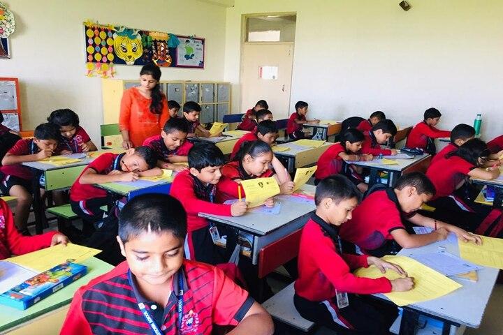 The Shivalik International School-Drawing Activity