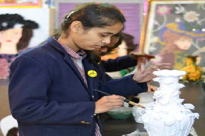 Thomsan World School-Art And Craft Room