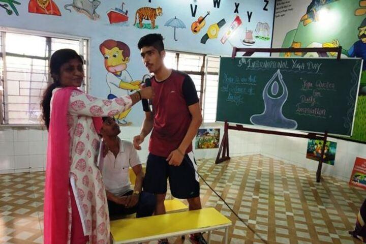 Adarsh Vidyalalya English Medium Higher Secondary School-Quiz Competition
