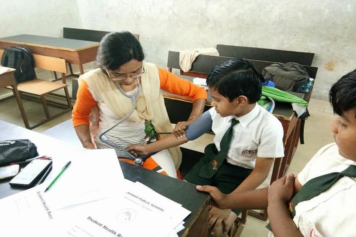 Adeshwar Public School Bastar-Medical Checkup Camp