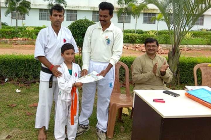 Adamas World School-karate