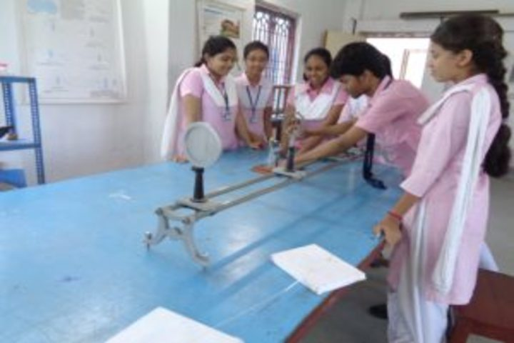 Arambagh Vivekananda Academy-Physics Lab