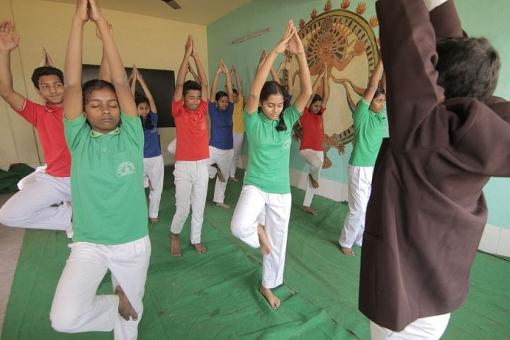 Beachwood School-Yoga