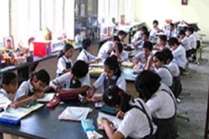 DAV Public School-Arts And Crafts Room