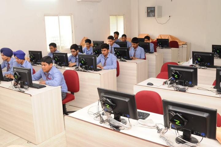 Guru Nanak Public School-Computer Lab