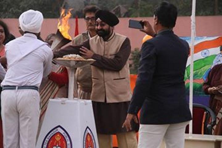 Guru Teg Bahadur Public School-Celebration of The Republic Day
