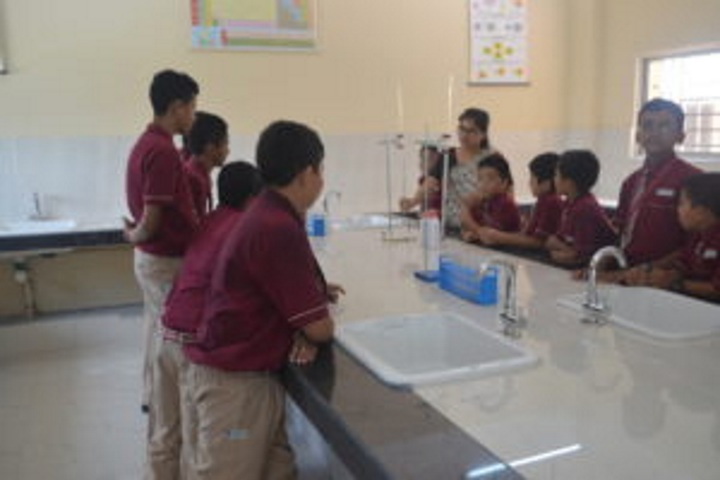 Hebron School-Chemistry Lab