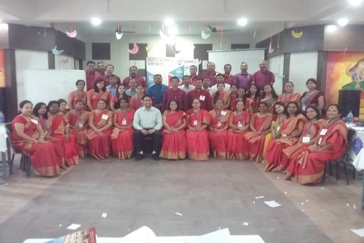 Hindi Balika Vidyapith-Staff