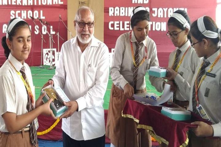 India International School-Presentation