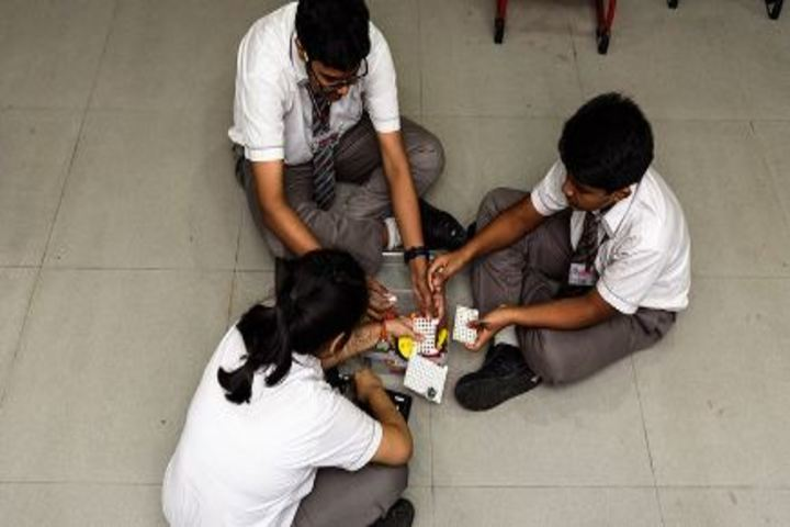 Indus Valley World School-Robotics