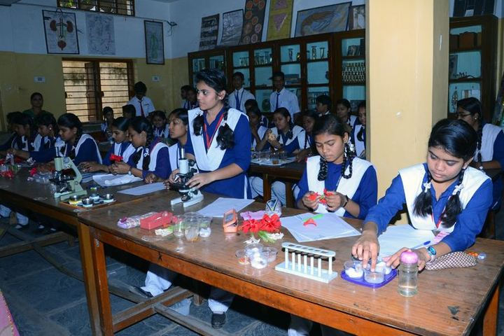 Bharat Mata Senior Secondary School-Bio Lab