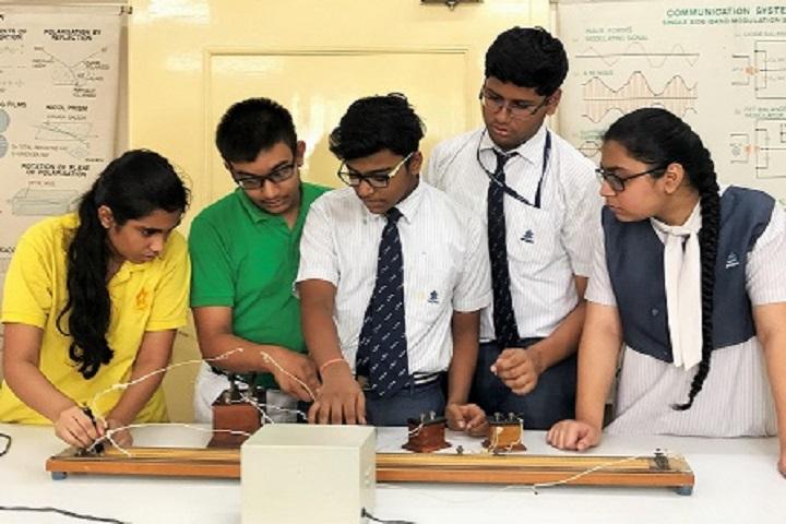 Lakshmipat Singhania Academy-Physics Lab