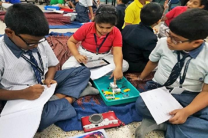 Lakshmipat Singhania Academy-Robotic Lab