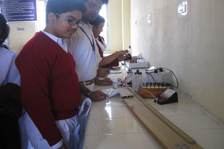 Manohari Devi Bajia Dav Public School-Physics Lab