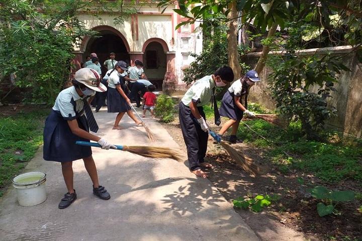 Mount Litera Zee School-Cleaniness Campaign