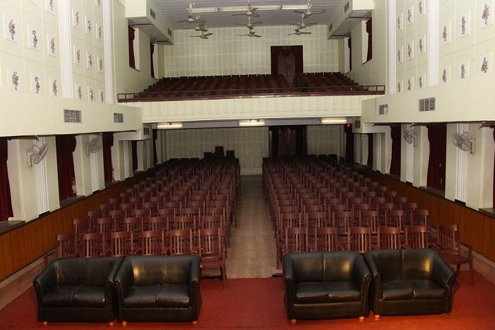 Shri Shikshayatan School-Auditorium