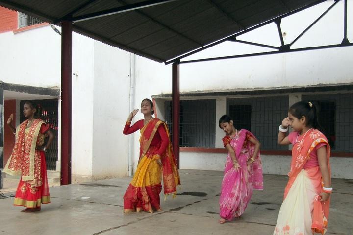 South Eastern Railway Senior Secondary School-Dance