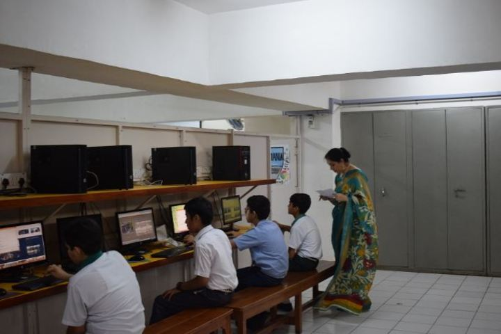 St Xaviers Senior Secondary School-IT-Lab