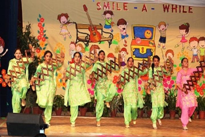 Tender Heart School-Group Dance