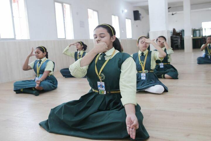North Point Childrens School-Yoga