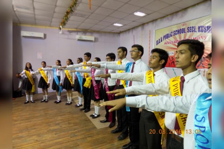 DAV Public School, Kusmunda - Taking Pledge