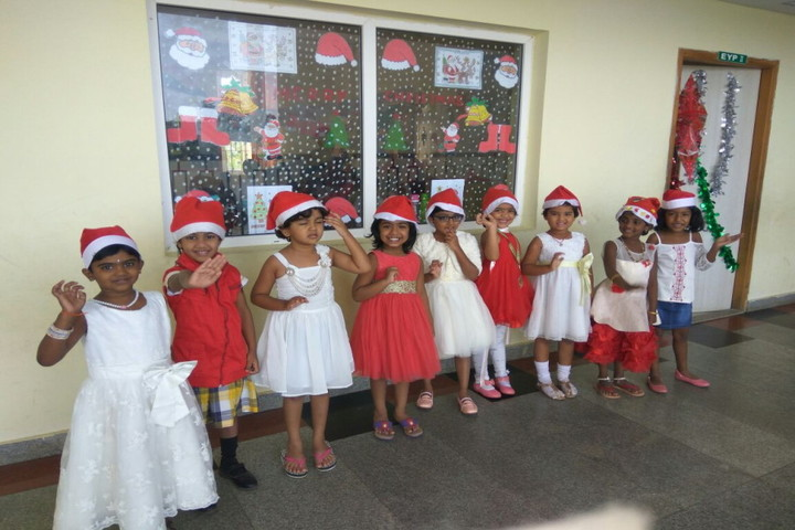 Ithaka Engish Medium School-Christmas Carnival