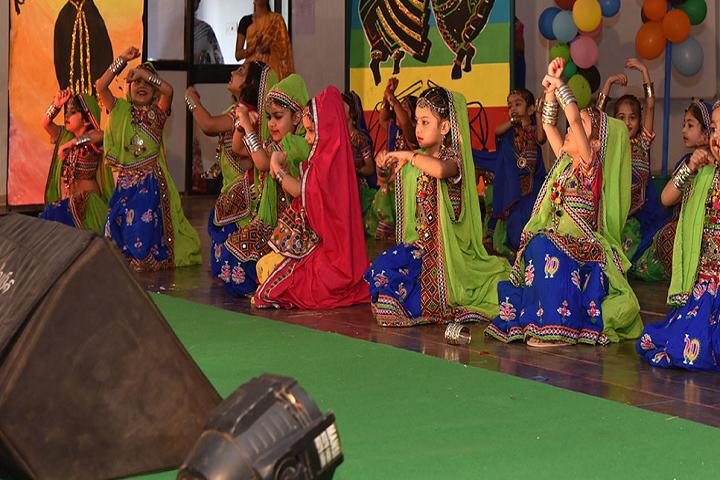 Lalji Mehrotra Lions School-Events dance
