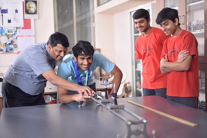 Anand Niketan-Physics Lab