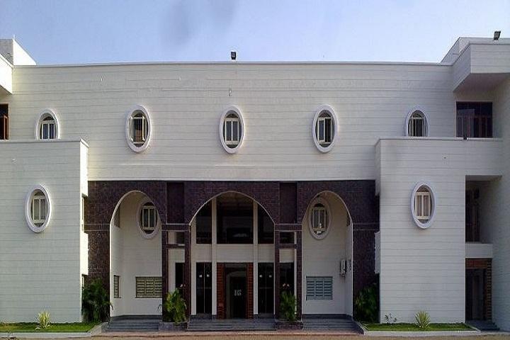 Saint PaulS School-Campus-View front