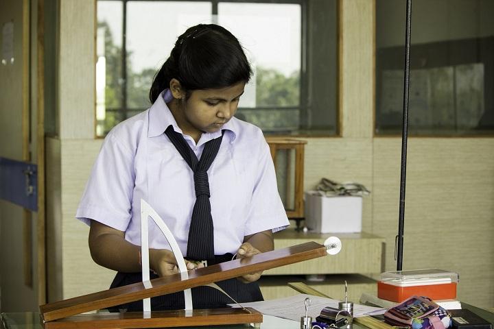 Vapi Public School-Laboratory physics