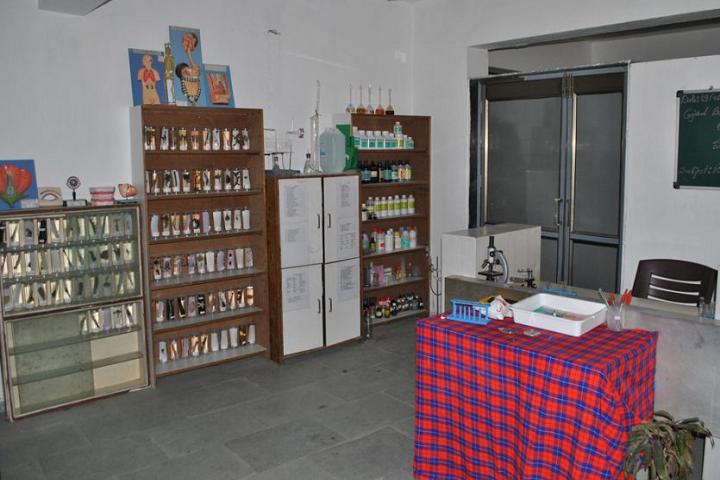 Mother Teresa World School-Laboratory