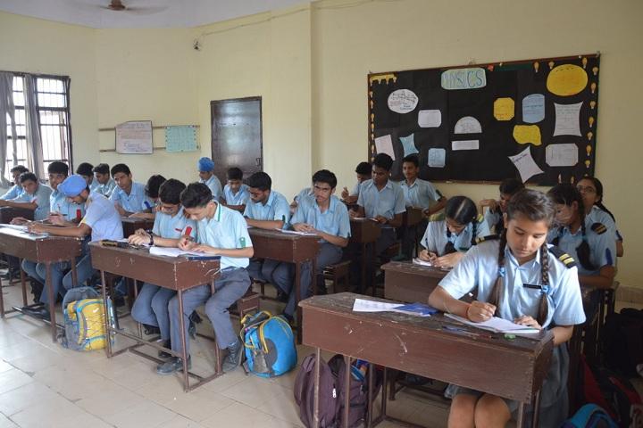 St PaulS High School-Classroom view