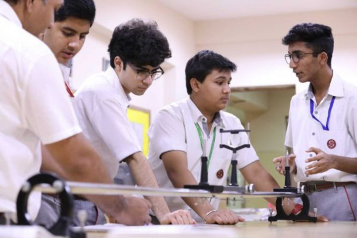 Scottish High International School-Physics Lab