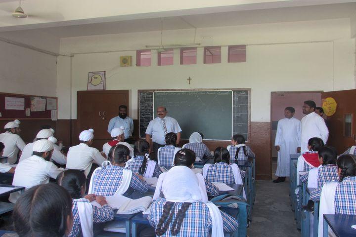 St PeterS Higher Secondary School-Classroom