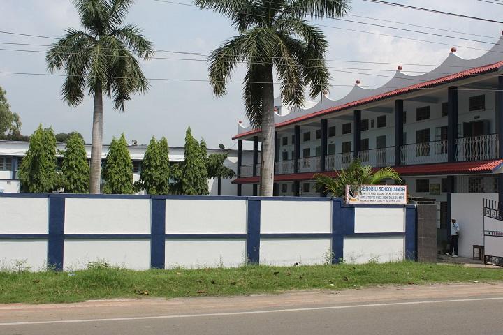 De Nobili School-Campus Entrances