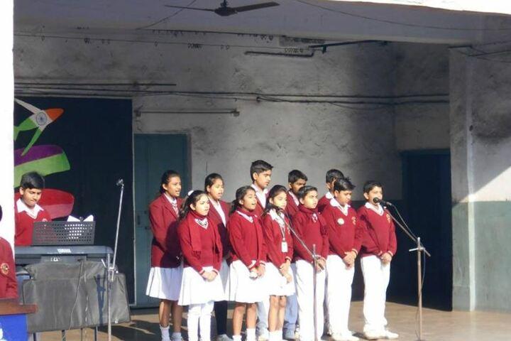 De Nobili School-Singing