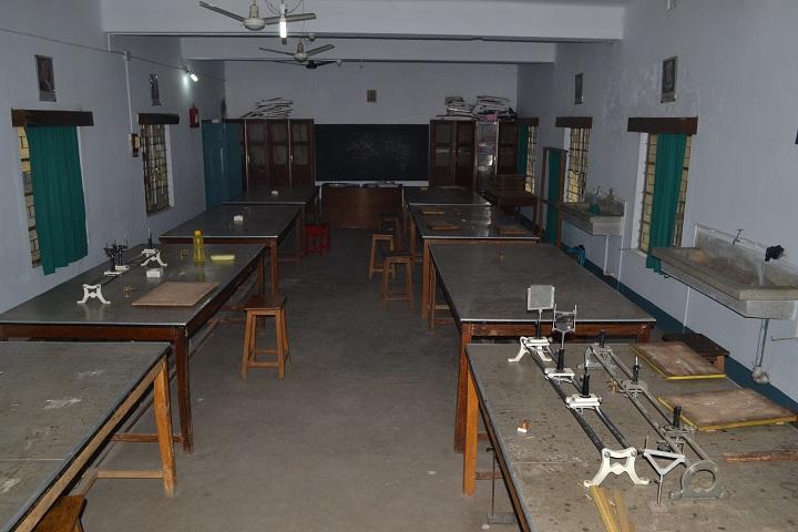 Carmel School-Physics Lab