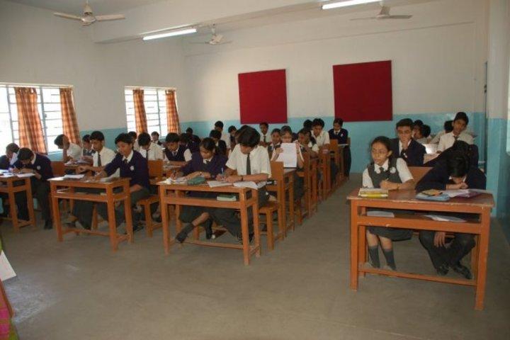 D B M S English School-Classroom